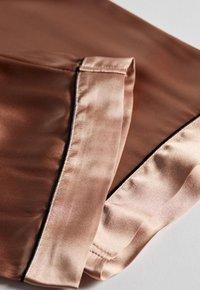Intimissimi - LANGE HOSE AUS SATIN UND SEIDE - Pyjama bottoms - rose satin - 3