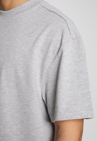 Weekday - GREAT  - Basic T-shirt - grey melange - 5