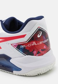ASICS - GEL-CHALLENGER 13 CLAY - Tenisové boty na antuku - white/classic red - 5