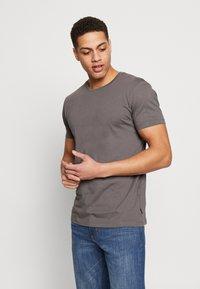 Esprit - 2 PACK - Basic T-shirt - dark grey - 1