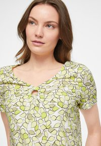 comma casual identity - Print T-shirt - offwhite leaf - 2