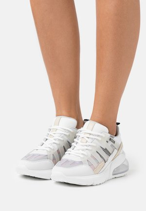 SCARPA SHOES - Trainers - white/silver