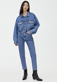 PULL&BEAR - MOM - Jeansy Slim Fit - blue - 1
