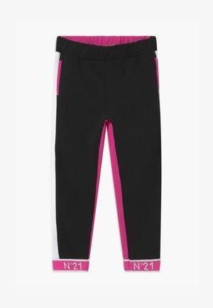 PANTALONI - Teplákové kalhoty - fuxia