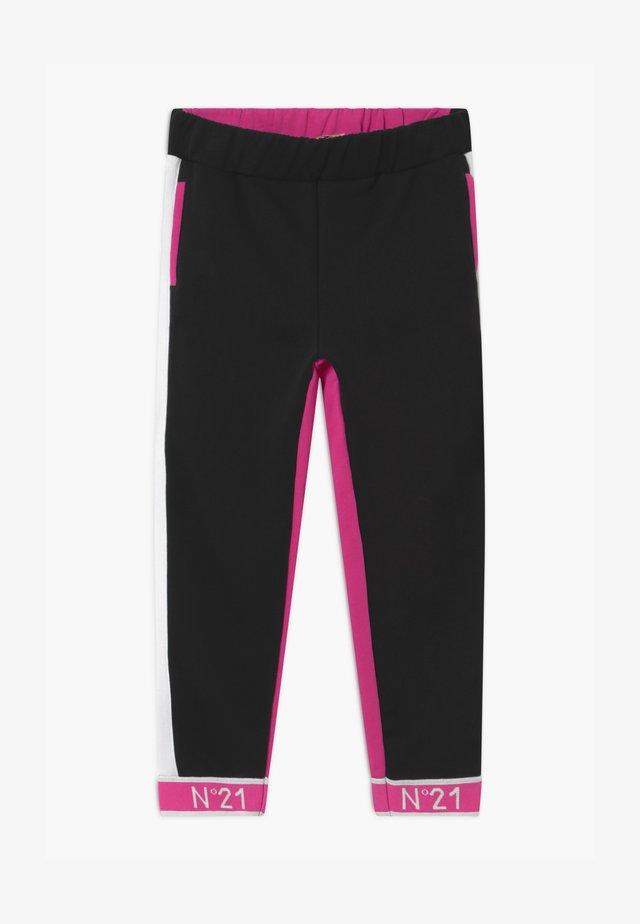 PANTALONI - Pantalones deportivos - fuxia