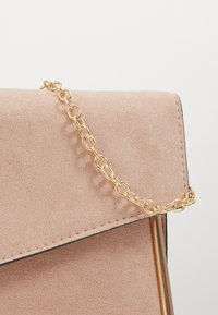 New Look - ALANA - Clutch - nude/gold - 2