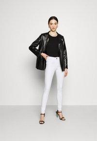 Noisy May - NMLUCY  - Skinny džíny - bright white - 1