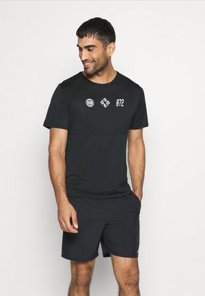 RUN  - Print T-shirt - black/white