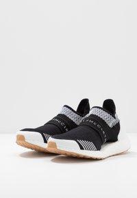 adidas by Stella McCartney - ULTRABOOST X 3.D. S. - Nøytrale løpesko - footwear white/solar orange/cardboard - 2