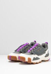 Puma - TRAILFOX MTS-WATER - Sneakers - castlerock/whisper white - 4