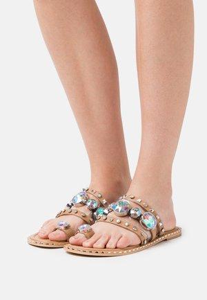 T-bar sandals - siera