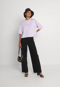 EDITED - SILA - Basic T-shirt - pastel lilac - 1