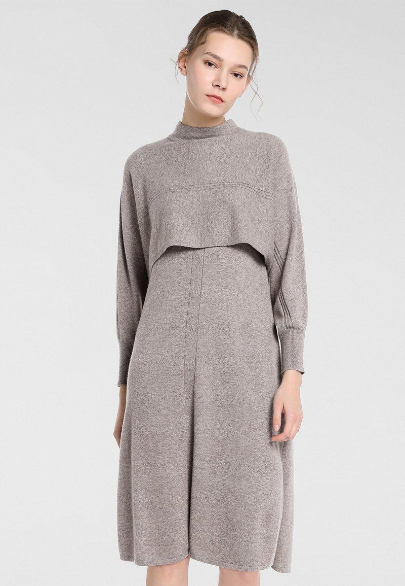 Apart - Robe en jersey - taupe