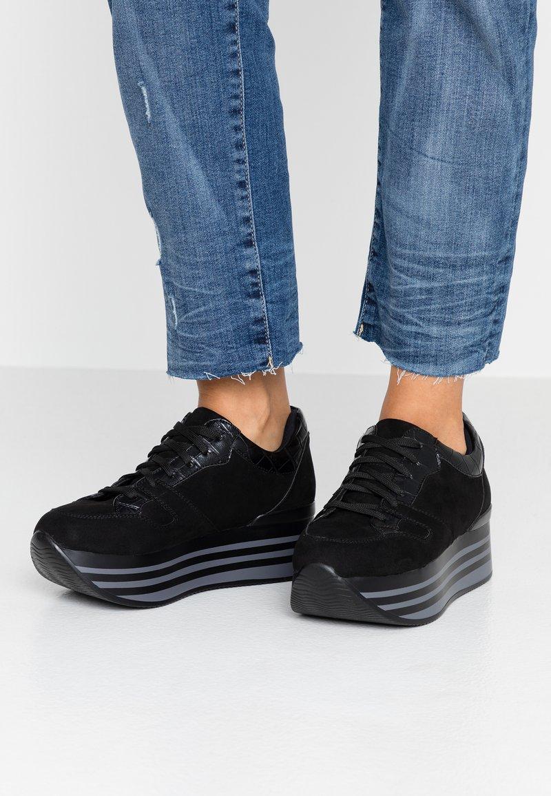 Tata Italia - Sneaker low - black