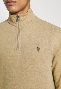 Polo Ralph Lauren - JERSEY QUARTER-ZIP PULLOVER - Sweatshirt - luxury tan heather - 6