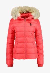 Calvin Klein Jeans - SHORT FITTED PUFFER - Lehká bunda - racing red - 5