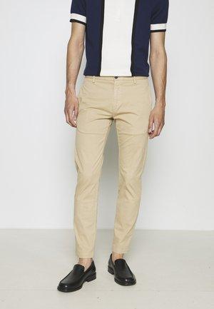 DAVID - Chino kalhoty - medium beige