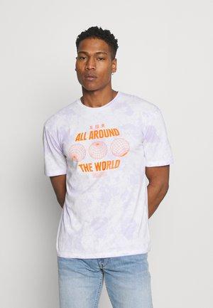 JORAZIEL TEE CREW NECK - Print T-shirt - lavender