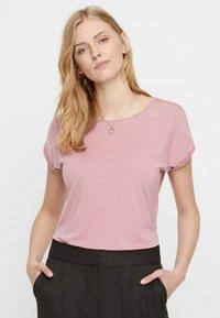 Vero Moda - VMAVA PLAIN - Basic T-shirt - pink - 0