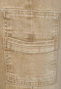 Street One - COLOUR-DENIM IM STYLE - Slim fit jeans - braun - 4