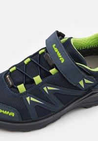 Lowa - INNOX PRO GTX UNISEX - Hiking shoes - stahlblau/limone - 5