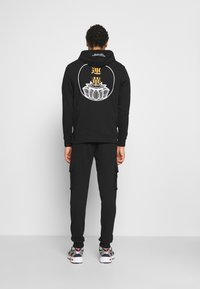 Only & Sons - ONSKIAN KENDRICK PANT - Cargo trousers - black - 2