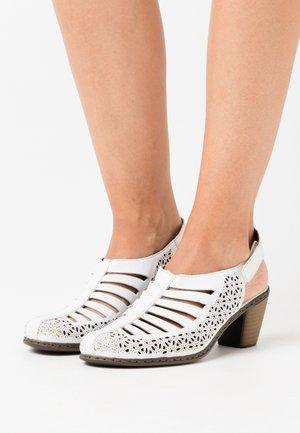 Sandaler - hartweiß