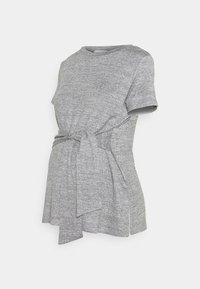 MAMALICIOUS - MLILA - T-shirt z nadrukiem - medium grey melange - 0