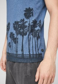 QS by s.Oliver - Print T-shirt - blue - 6