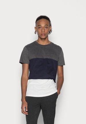 JPRBLALOGAN TEE CREW NECK - Print T-shirt - dark grey melange