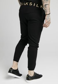 SIKSILK - PANT - Pantalones deportivos - black - 2