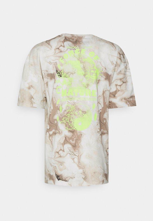 FORCE OF NATURE SET TEE UNISEX - T-shirt z nadrukiem - beige