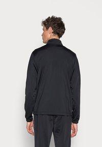 Nike Sportswear - SUIT BASIC - Träningsset - black/white - 2