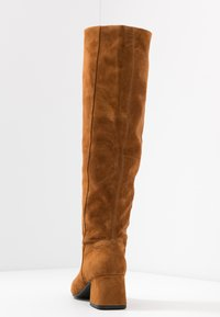 Vagabond - ALICE - Høje støvler/ Støvler - caramel - 5