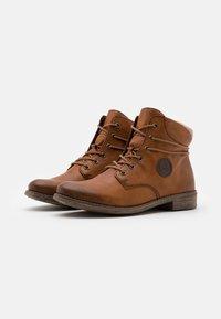 Rieker - Ankle Boot - cayenne/wood/kastanie - 2