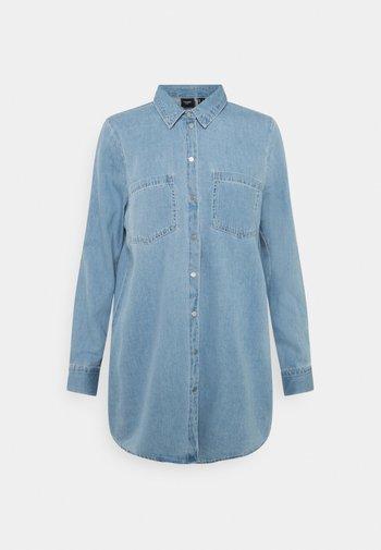 VMMILA LONG MIX COLOR - Button-down blouse - light blue denim