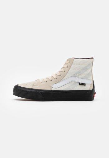 SK8 GORE-TEX UNISEX - Sneakers hoog - turtledove/marshmallow