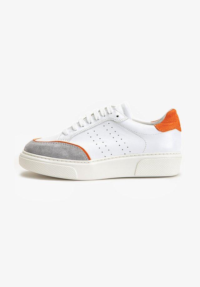 Sneakers laag - orange multi orm