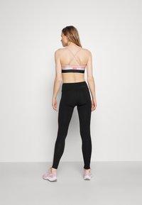 Pink Soda - BAY TAPE LEGGING - Leggings - black - 2