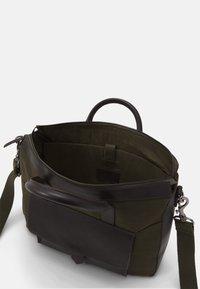 Pier One - SET - Briefcase - khaki - 4