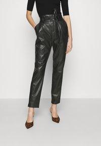 Vero Moda - VMEVA PAPERBAG ANKLE PANTS - Trousers - black - 0