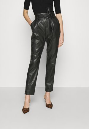 VMEVA PAPERBAG ANKLE PANTS - Trousers - black