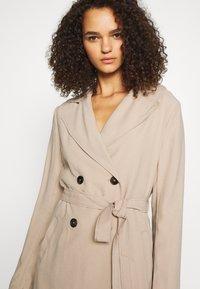 Dorothy Perkins Tall - Klasický kabát - stone - 3