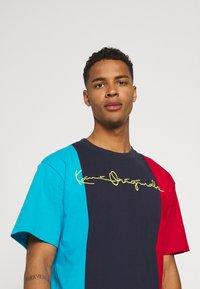 Karl Kani - ORIGINALS BLOCK TEE - Print T-shirt - navy - 3