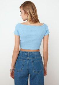 Trendyol - PARENT - Print T-shirt - blue - 2