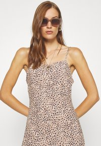 Abercrombie & Fitch - BIAS CUT SLIP DRESS - Vestito estivo - light brown - 3