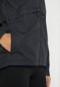 Nike Performance - Laufjacke - black/silver - 8