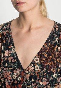 Esprit Collection - FLOWER DRESS - Shirt dress - black - 4