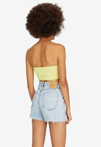 Stradivarius - Shorts di jeans - blue denim - 2