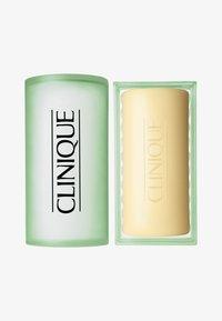 Clinique - FACIAL SOAP MIT SCHALE MILD 100G - Soap bar - - - 0